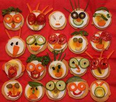 Vaak is een leuke traktatie zo makkelijk om te maken. Neem deze blije monsters! Gemaakt van ronde melbatoast met een plakje ei, versierd met tomaat, komkommer, olijf, bleekselderij, doperwten of ander groenvoer. En wat verse keukenkruiden als haren J Wij vonden ze in ieder geval erg geslaagd! Deze traktatie is gezond / verantwoord en bevat …