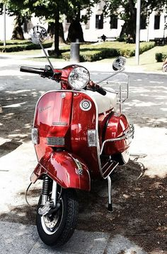 Red Vespa. #transport #vespa