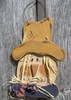 Wooden Scarecrow Patterns | Large Scarecrow Head with Big Nose Scarecrow Crafts, Fall Scarecrows, Fall Halloween, Halloween Crafts, Halloween Decorations, Outside Fall Decorations, Primitive Fall, Country Primitive, Halloween Wood Signs