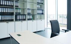 Modulare Büromöbel I Design Möbelbausystem für Grossraumbüros I Projekt VRmagic Holding AG | System 180