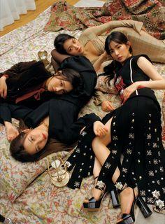 Kpop Girl Groups, Korean Girl Groups, Kpop Girls, Park Sooyoung, My Girl, Cool Girl, Irene Red Velvet, Black Velvet, Red Velvet Photoshoot