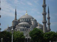 La Mezquita Azul, Es