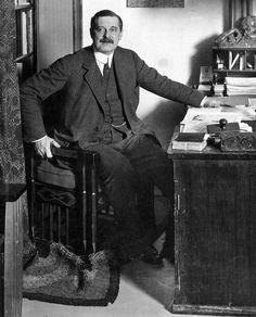Peter Behrens, um 1913 - Peter Behrens - Wikipedia, la enciclopedia libre
