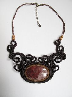 Espiral Victoriana Collar hecho a mano en por AbstractikaCrafts, £35.00