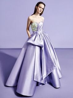 Get inspired and discover Viktor & Rolf SOIR trunkshow! Shop the latest Viktor & Rolf SOIR collection at Moda Operandi. Couture Fashion, Fashion Show, Fashion Design, Fashion Pics, Evening Dresses, Prom Dresses, Viktor Rolf, Glamour, Beautiful Gowns