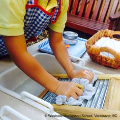 Washing cloths - perfect Practical Life outdoor activity during this time of year. It's so lovely to be able to extend the classroom into our outdoor space. Post from: @wmswms