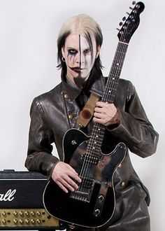John 5 Via tumbler John 5, Ace Frehley, Rob Zombie, Marilyn Manson, Film Director, Hard Rock, Rock N Roll, Heavy Metal, Guitars