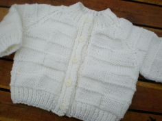 sweet little hand knitted baby cardigan winter white 0-3 month