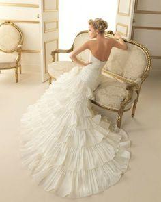 177 TOSA / Wedding Dresses / 2013 Collection / Luna Novias (back)