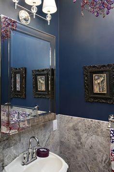 New York Powder Room versatile guest toilet New York Nirmada Interior Arc … - Modern Interior Design Companies, Modern Interior Design, Interior Ideas, Home Design, Purple Chandelier, Townhouse Interior, Guest Toilet, Guest Bath, Powder Room Design