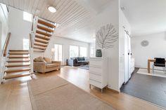 Myydään Omakotitalo 5 huonetta - Turku Hirvensalo Tähdenlento 28 - Etuovi.com 7690983