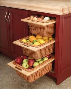 Rev-A-Shelf 4WB-18I Rattan Basket with Rails
