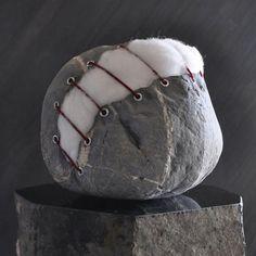 Stuffed-Stone-stone-sculpture-by-Jiyuseki-Hirotoshi-Ito-575x575
