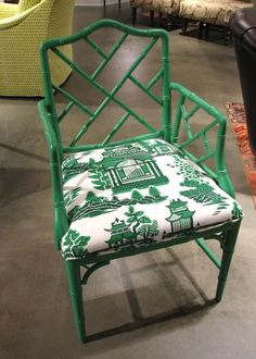 Betty Nanjing Jade Side Chair from laylagrayce hpmkt lgmarketfind Room Chairs, Side Chairs, Office Chairs, Club Chairs, Furniture Making, Home Furniture, Furniture Design, Chippendale Chairs, Chinoiserie Wallpaper