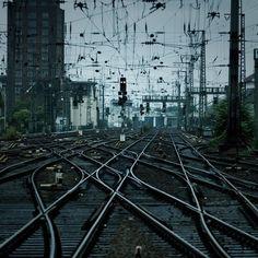 Crookshanks / Net (by Julio López Saguar) train tracks, railroad, railroad tracks) Central Station, Train Tracks, Urban Photography, Pattern Photography, Photography Articles, Of Wallpaper, Photos, Pictures, Photographs