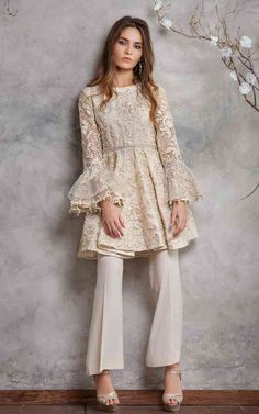 Thread and Motifs Formal Collection 2019 Embroidered peplum Design Code: 4417 Faden und Motive Forma Pakistani Fashion Party Wear, Pakistani Wedding Outfits, Indian Fashion Dresses, Dress Indian Style, Indian Designer Outfits, Designer Dresses, Indian Outfits Modern, Designer Wear, Simple Pakistani Dresses