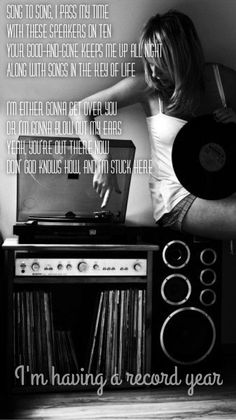 listen to music. drown out the world around you black white photography records old school vinyl play it loud record player Lps, Jeane Manson, Message Vocal, Photo Vintage, Vinyl Junkies, Record Players, Jolie Photo, Listening To Music, Music Is Life