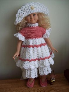 This is a free crochet pattern for a 26 inch doll but can be easily adapted to other sizes, like: American Girl or 18 inch doll!