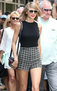 Taylor Swift Flashes Endless Legs