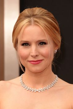 Kristen Bell's Pretty Pink Lip at the Oscars Celebrity Beauty