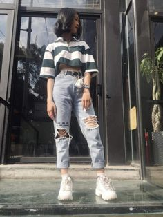 korean street fashion can find Korean street fashion and more on our website. Hipster Outfits, Indie Outfits, Winter Fashion Outfits, Korean Outfits, Retro Outfits, Cute Casual Outfits, Look Fashion, Outfits For Teens, Grunge Outfits