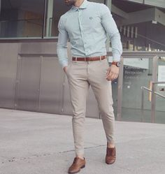Cool 46 Stylish Formal Men Work Outfit Ideas To Change Your Style. Formal Attire For Men, Formal Dresses For Men, Corporate Attire For Men, Formal Wear For Men, Formal Shirts For Men, Mens Fashion Wear, Men's Fashion, Fashion Guide, Fashion Ideas