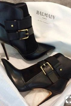 Stylish Shoes Trends Frauenschuhe 42 My Shoes To Copy Asap High Heel Boots, Bootie Boots, Shoe Boots, Ankle Boots, Men's Boots, Zapatos Shoes, Dream Shoes, Hot Shoes, Beautiful Shoes
