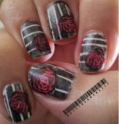Striping and roses plate bundlemonster 323 #stamping #Nails