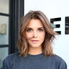 These Shoulder-Length Bobs Are The Perfect Length - Hair - Hair Frontal Hairstyles, Bob Hairstyles, Bob Haircuts, Medium Hair Styles, Curly Hair Styles, Short Styles, Shoulder Length Cuts, Cute Shoulder Length Haircuts, Hair Cute