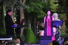 L'Adolfo i l'Eva durant l'actuació als Jardins de Santa Clotilde de Lloret de Mar. Foto: Ajuntament de Lloret de Mar.