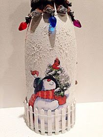 Wine Bottle Crafts – Make the Best Use of Your Wine Bottles – Drinks Paradise Glass Bottle Crafts, Wine Bottle Art, Painted Wine Bottles, Lighted Wine Bottles, Diy Bottle, Glass Bottles, Decorated Bottles, Bottle Candles, Christmas Art