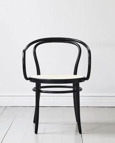 Chair No 30 Wienerstuhl | Nyheter | Artilleriet | Inredning Göteborg Ton Chair, New Homes, Dining Room, Inspiration, Furniture, Design, Home Decor, Shopping, Biblical Inspiration