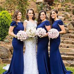 Contraste Branco noiva azul madrinhas