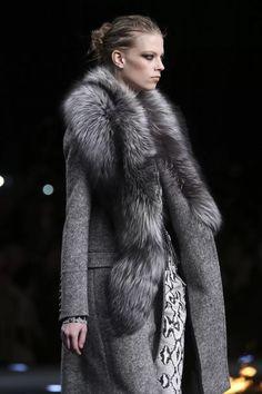 Fur Fashion, Fashion Details, Runway Fashion, Trendy Fashion, Fashion Show, Style Fashion, Roberto Cavalli, Fabulous Furs, Mein Style