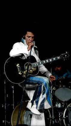 On this day in Elvis history. September Elvis performed at the Cole Field House at the University of Maryland in College Park, Maryland. Elvis Presley Concerts, Elvis Presley Family, Elvis In Concert, Elvis Presley Photos, Lisa Marie Presley, Rock Roll, Mississippi, Tennessee, Elvis Memorabilia