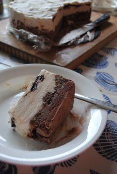 Lori's Lipsmacking Goodness: Decadent Two Tone Ice Cream Cake