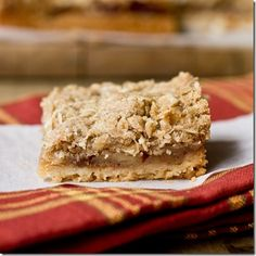 Apple Pie Crumble Bars: With a buttery crust, thick apple pie filling and crispy crumb topping these bars are a fall dessert that is hard to Apple Desserts, Desserts To Make, Fall Desserts, Sweet Desserts, Apple Recipes, Dessert Recipes, Apple Crumble Pie, Apple Pie, Eat Dessert First