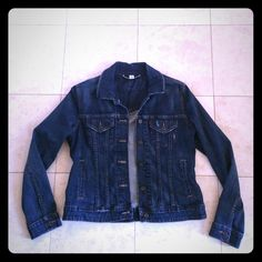 Levis Trucker jacket. Boyfriend fit  Excellent condition.  Super cool.  Vintage look. Levi's Jackets & Coats Jean Jackets