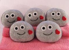 ^INSPIRATION...Pet Rock with a heart.
