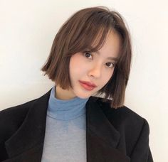 Wedding Hairstyles and hairstyles women Ulzzang Short Hair, Korean Short Hair, Short Hair With Bangs, Girl Short Hair, Japanese Short Hair, Shot Hair Styles, Curly Hair Styles, Cut My Hair, Hair Cuts