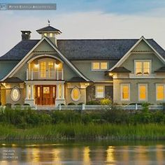 Shingle style home | Peter Cadoux Architects via Pearltrees