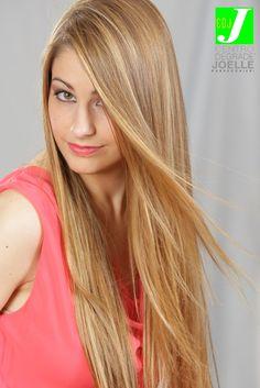 Gradazioni ultranaturali per dettagli iperfemminili.  #cdj #degradejoelle #tagliopuntearia #dettaglidistile #welovecdj #shooting #beautifulhair #naturalshades #hair #hairstyle #hairstyles #haircolour #haircut #fashion #longhair #style #hairfashion