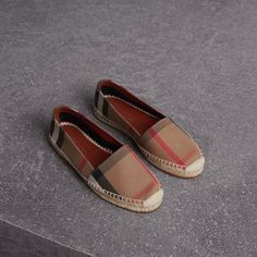 Check Linen Cotton Espadrilles in Dark Tan - Women Burberry Shoes, T Bar Shoes, Me Too Shoes, Golf Shoes, Flat Shoes, Women's Shoes, Dress Shoes, Louis Vuitton Boots, Colorful Nails