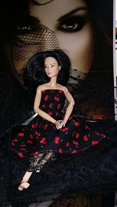 Snow White, Barbie, Doll, Disney Princess, Disney Characters, Fashion, Moda, Fashion Styles, Snow White Pictures