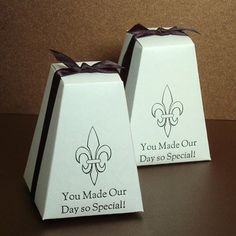 Personalized Pedestal Wedding Favor Box by Beau-coup