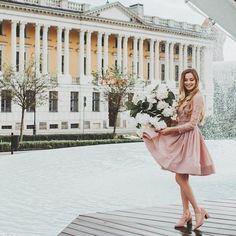 Uwielbiam tą sukienkę! Jak Wam się podoba? #bemanifiq #amazing #wedding #dress #pinkdress #love #bemanifiq #blonde fot. @fotoholiczka.pl