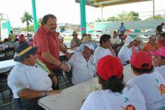 Periodismo sin Censura: Reconoce  Eduardo Espinosa Abuxapqui esfuerzo de t...