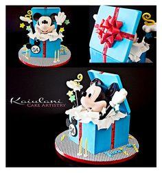 Surprise Mickey! http://cakesdecor.com/cakes/13918-surprise-mickey