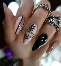 Chic Nails, Glam Nails, Classy Nails, Fancy Nails, Stylish Nails, Fancy Nail Art, Bling Nails, Black Nail Designs, Nail Art Designs