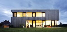 boxträger.  Passive house with great design